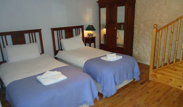 Bramley Apple Cottage Twin Bedroom