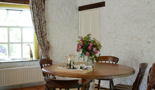 Bramley Apple Cottage dining