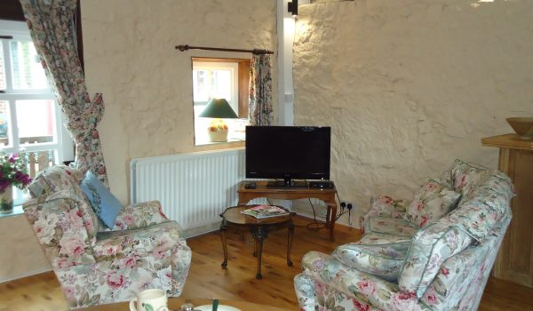 Bramley Apple Cottage main Sitting area